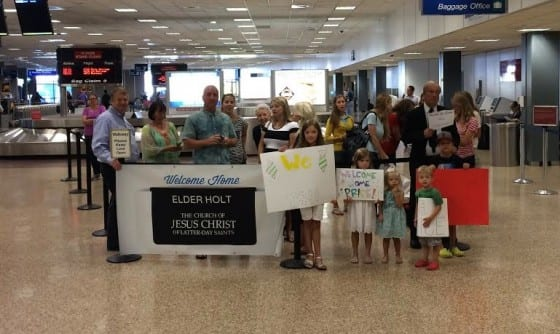 welcome home banner airport