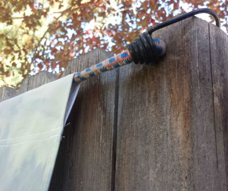 Bungee Cable Holding Fabric Banner